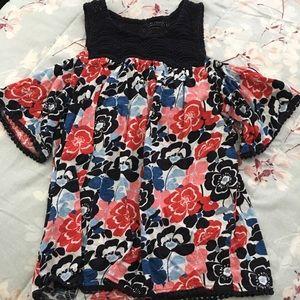 Crown & Ivy XS floral offthe shoulder shirt